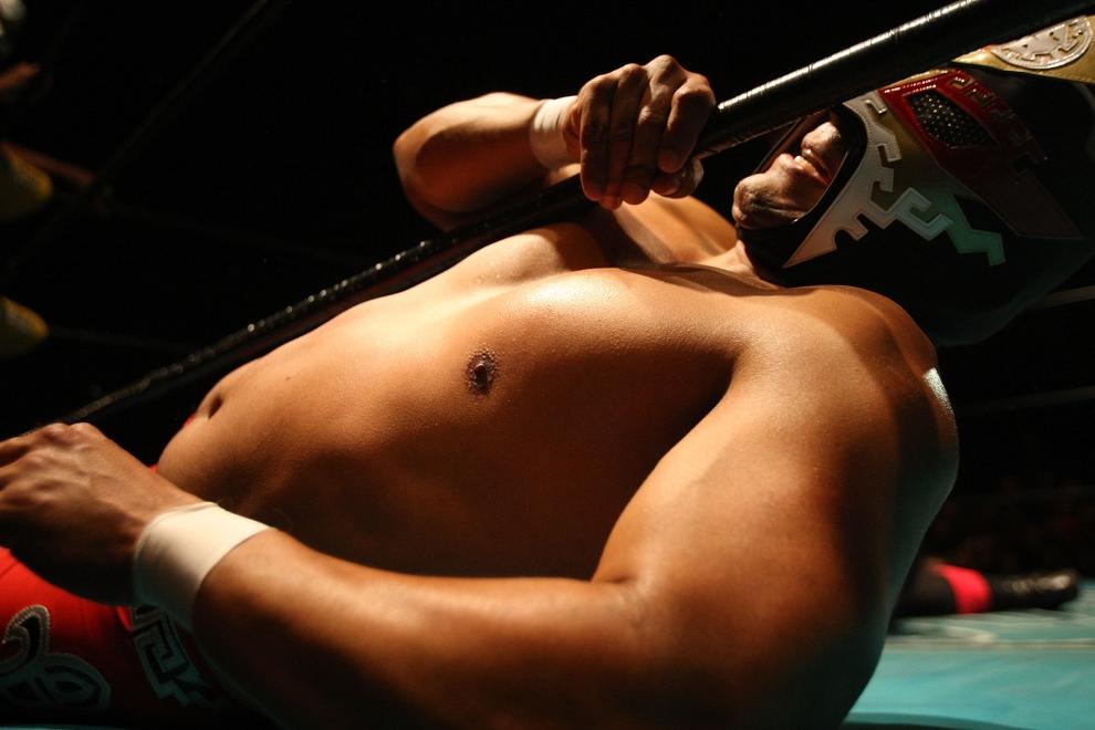14. LOS ANGELES, USA: Odpowiednia masa ciała gwarantuje właściwą siłę i odporność na ciosy przeciwników. (Foto: David McNew/Getty Images)