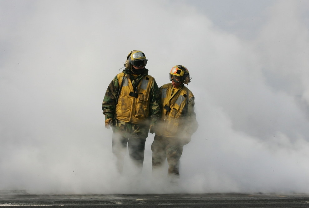 28. LOTNISKOWIEC USS NIMITZ: Pokład lotniskowca USS Nimitz podczas ćwiczeń u wybrzeży Korei Południowej. (Foto: Chung Sung-Jun/Getty Images)