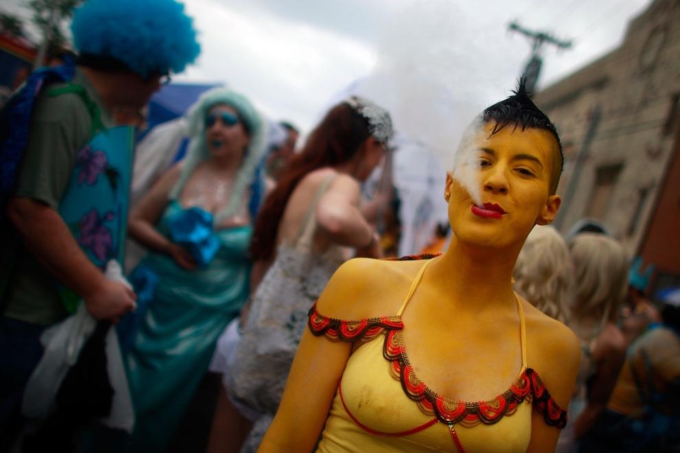 12. NOWY JORK, Brooklyn: Na chwilę przed rozpoczęciem Parady Syrenek. (Foto: Mario Tama/Getty Images)