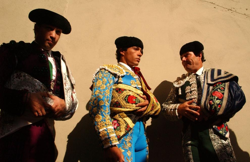 19. HISZPANIA, Pampeluna: Matadorzy przed wejściem na arenę. (Foto: Ami Vitale/Getty Images)
