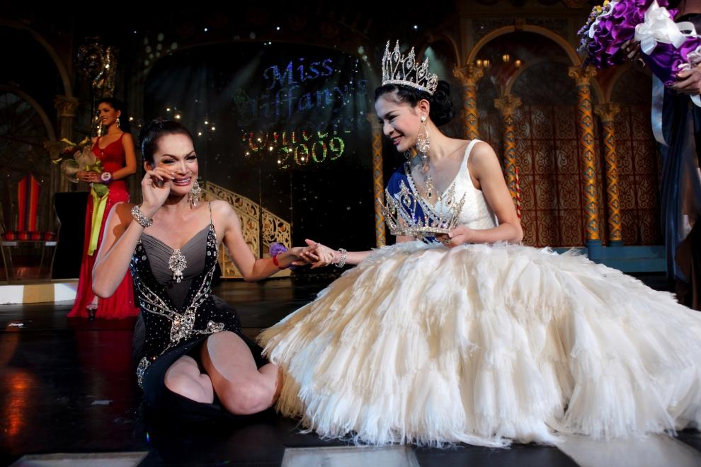21. TAJLANDIA, Pattaya: Wzruszona Sorrawee Nattee przyjmuje gratulacje. (Foto: Paula Bronstein/Getty Images)