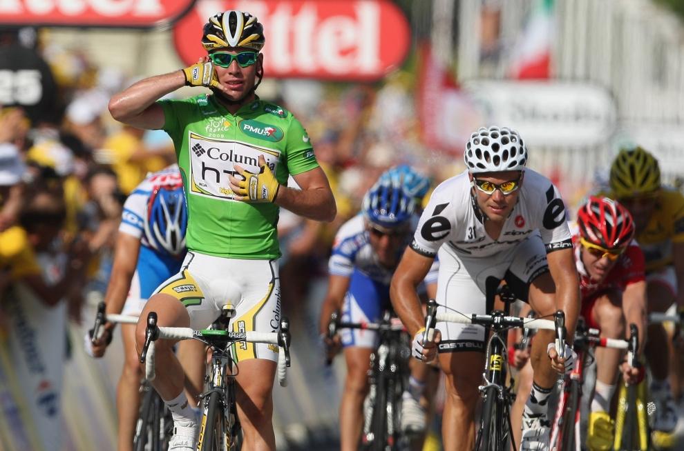 25. FRANCJA, La Grande Motte: Mark Cavendish (Wielka Brytania) cieszy się ze zwycięstwa w etapie wyścigu Tour de France. (Foto: Bryn Lennon/Getty Images)