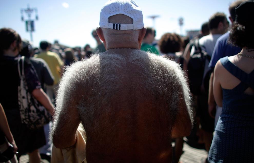 23. NOWY JORK, Brooklyn: Turysta na molo Coney Island. (Foto: Mario Tama/Getty Images)