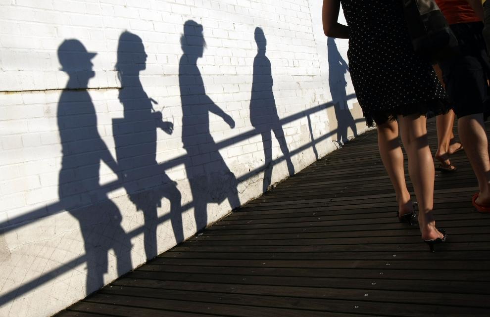 25. NOWY JORK, Brooklyn: Turyści przechadzający się molo na Coney Island. (Foto: Mario Tama/Getty Images)