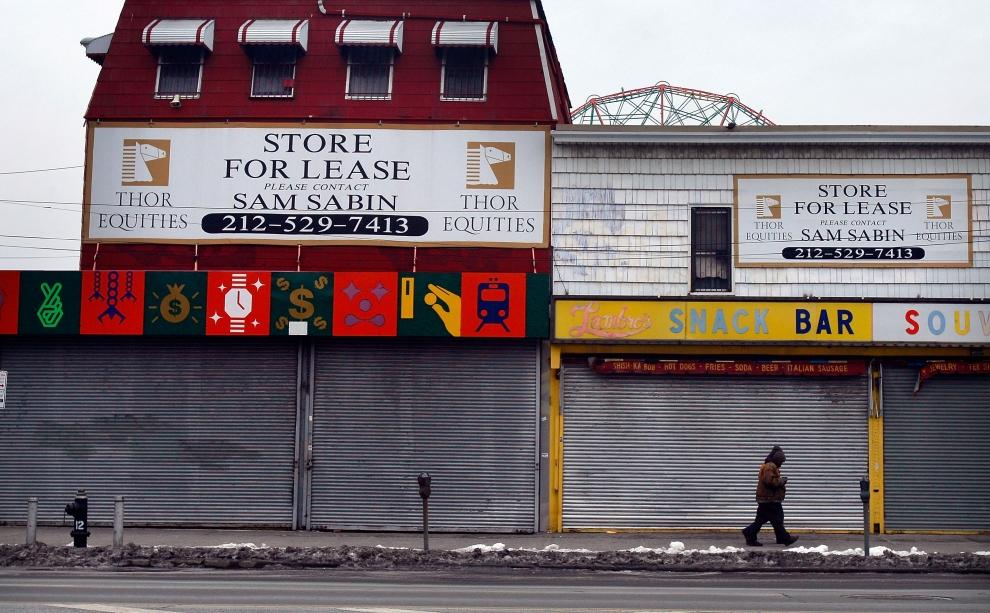 28. NOWY JORK, Brooklyn: Zamknięte sklepy na Coney Island. (Foto: Mario Tama/Getty Images)