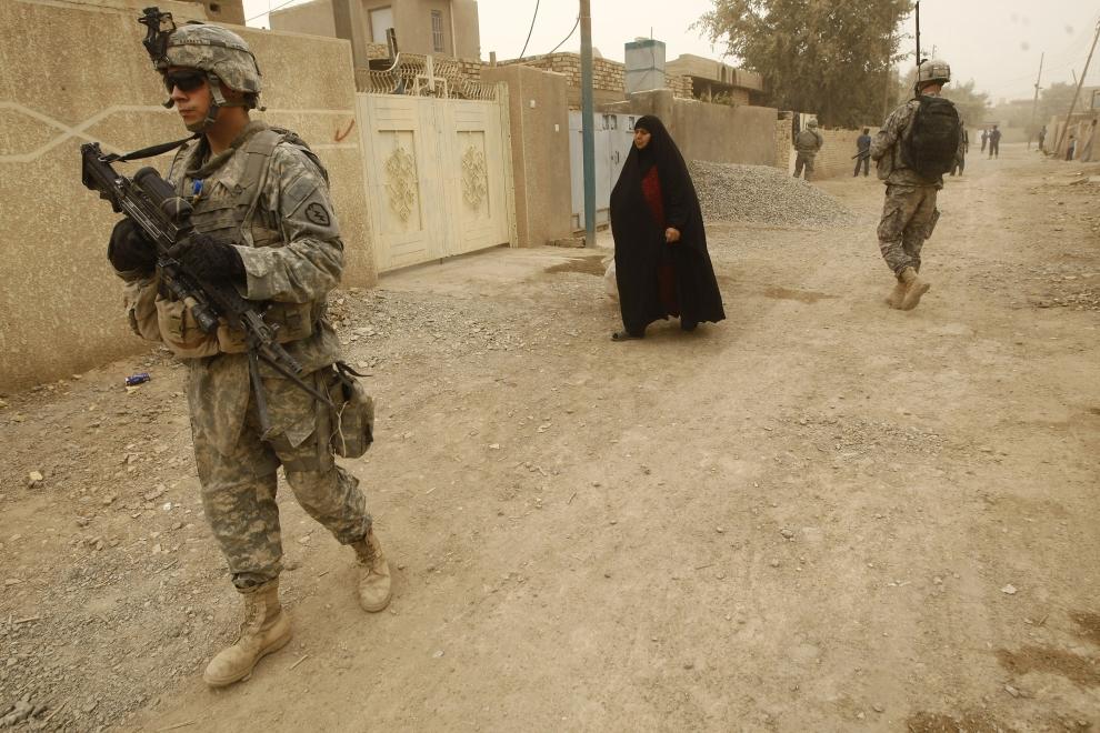 4. IRAK, Bakuba: Ostatni patrol oddziału przed wycofaniem się z Iraku. AFP PHOTO / AHMAD AL-RUBAYE