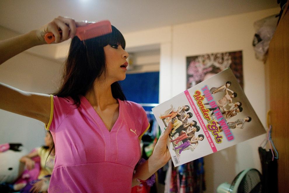 5. TAJLANDIA, Pattaya: Jedna z uczestniczek wyborów, dwudziestolentnia Wirittorn Narapatarapimol znana również jako Belle. (Foto: Paula Bronstein/Getty   Images)