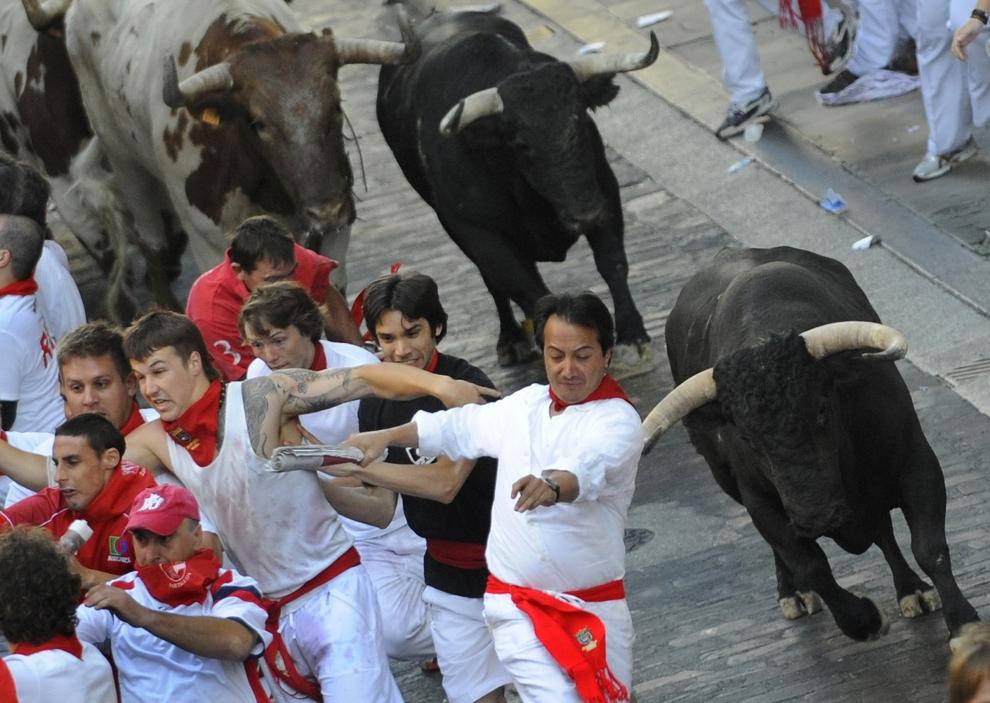 9. HISZPANIA, Pampeluna: Drugi dzień uroczystości w Pampelunie. AFP PHOTO / A. ARRIZURIETA