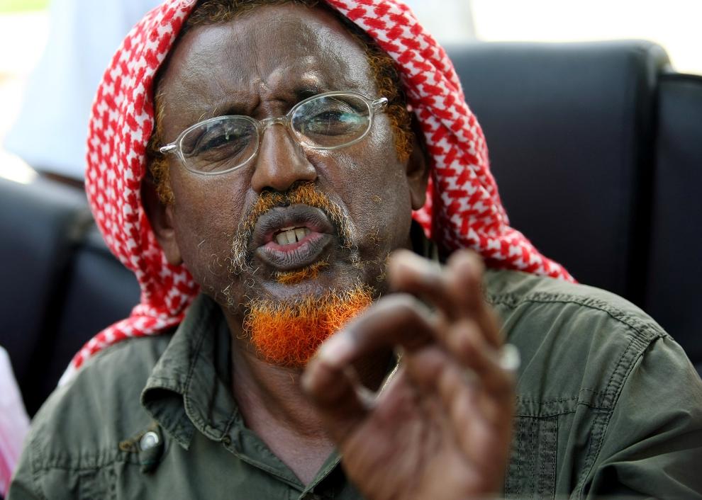 10. SOMALIA, Mogadiszu: Islamski przywódca, Hasan Dahir Aweys, krytkuje rząd Somalii za wprowadzenie do kraju oddziałów Unii Afrykańskiej. AFP PHOTO/Mohamed DAHIR