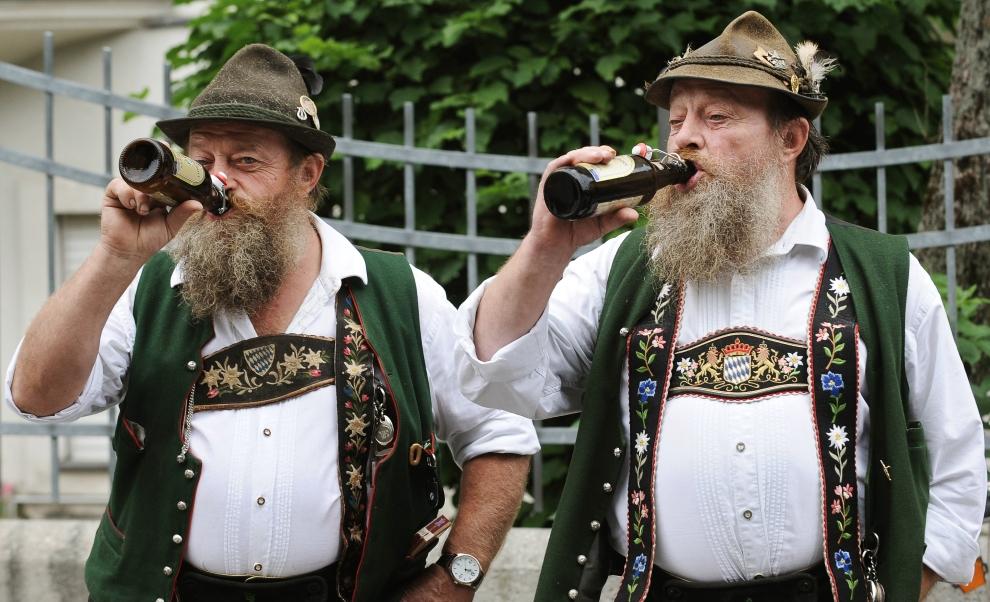 Znalezione obrazy dla zapytania niemiec z piwem