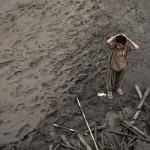 Pakistan tonie w wodzie i błocie