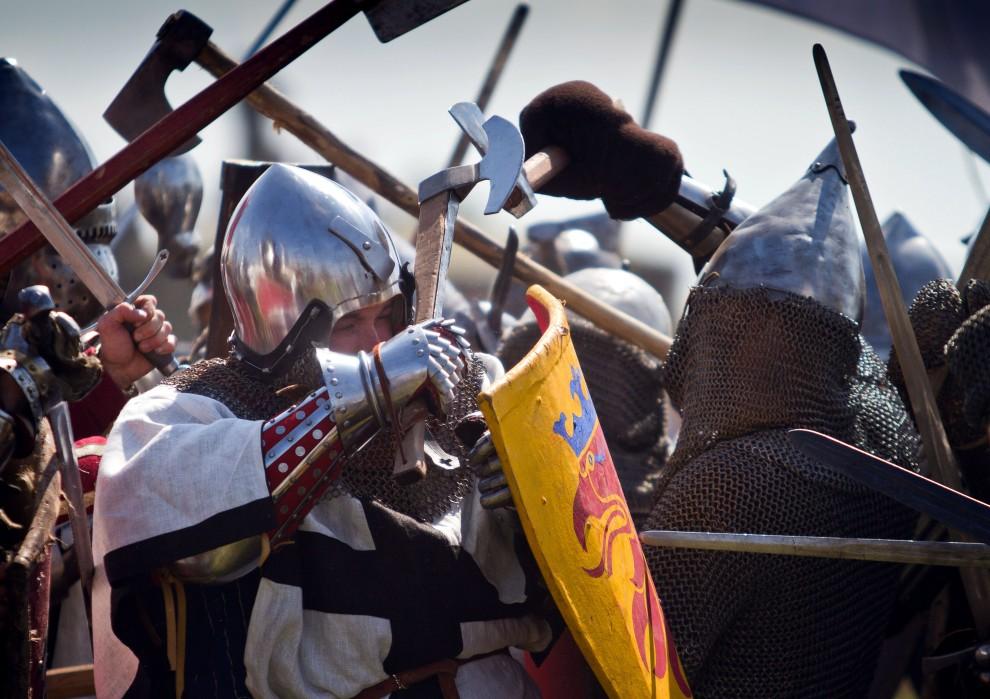 12. POLSKA, Grunwald, 17 lipca 2010: Inscenizacja historyczna przypominająca o 600. rocznicy bitwy pod Grunwaldem. AFP PHOTO/WOJTEK RADWANSKI