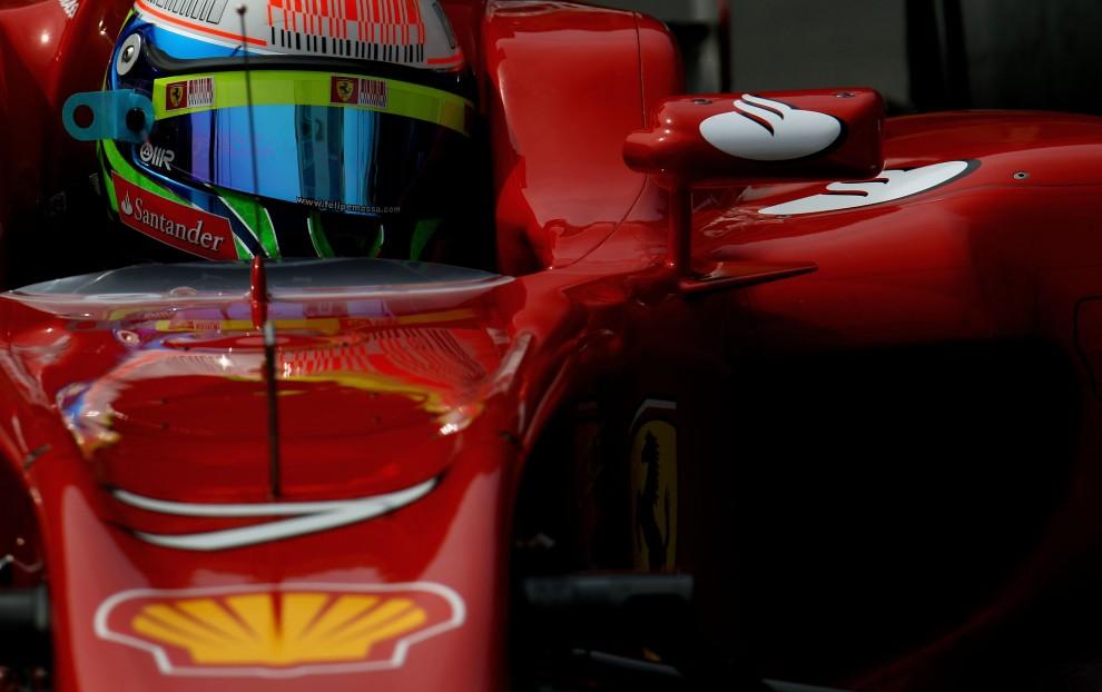 1. MONAKO, Monte Carlo, 15 maja 2010: Felipe Massa w bolidzie podczas kwalifikacji do wyścigu. (Foto: Vladimir Rys/Bongarts/Getty Images)