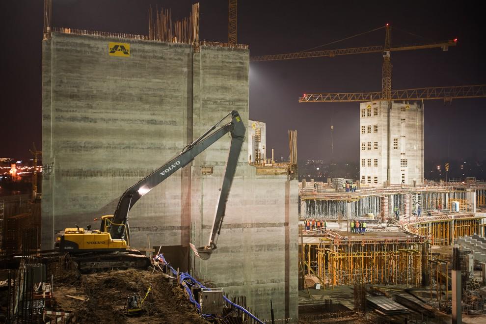25. POLSKA, Warszawa, 26 listopada 2009: Budowa Stadionu Narodowego w Warszawie. AFP PHOTO / WOJTEK RADWANSKI