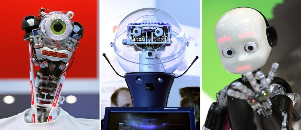 28. NIEMCY, Hanower, 19 kwietnia 2010: Trzy roboty (od lewej):  eccerobot, Scitos oraz iCub prezentowane podczas targów w Hanowerze. AFP PHOTO DDP/RONNY HARTMANN