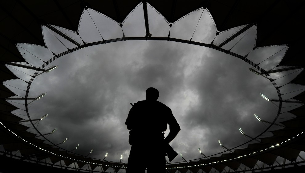 15. INDIE, New Delhi, 27 lipca 2010: Żołnierze na stadionie im. Jawahar Lal Nehru Stadium w New Delhi. AFP PHOTO/ MANAN VATSYAYANA