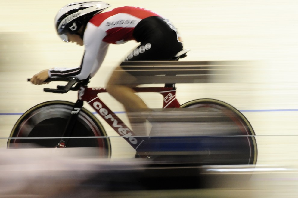 29. DANIA, Ballerup, 24 marca 2010: Szwajcarka Pascale Schnider na torze podczas zawodów UCI World Track Cycling Championships. AFP PHOTO / OLIVIER MORIN