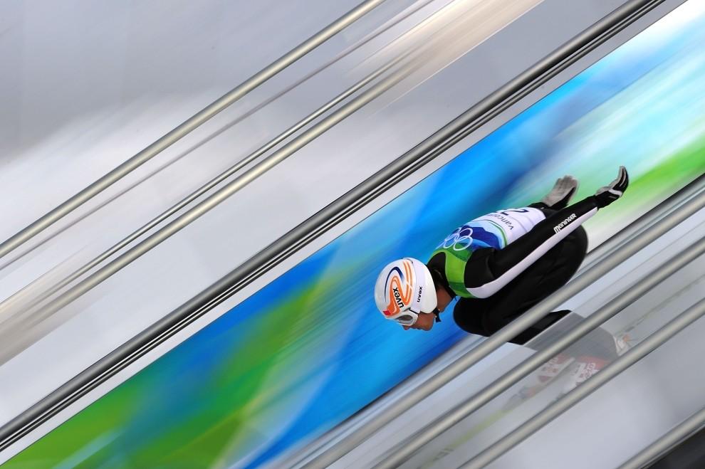 2. KANADA, Whistler, 12 lutego: Vincent Descombes Sevoie (Francja) podczas sesji kwalifikacyjnej skoków narciarskich. (Foto: Clive Mason/Getty Images)