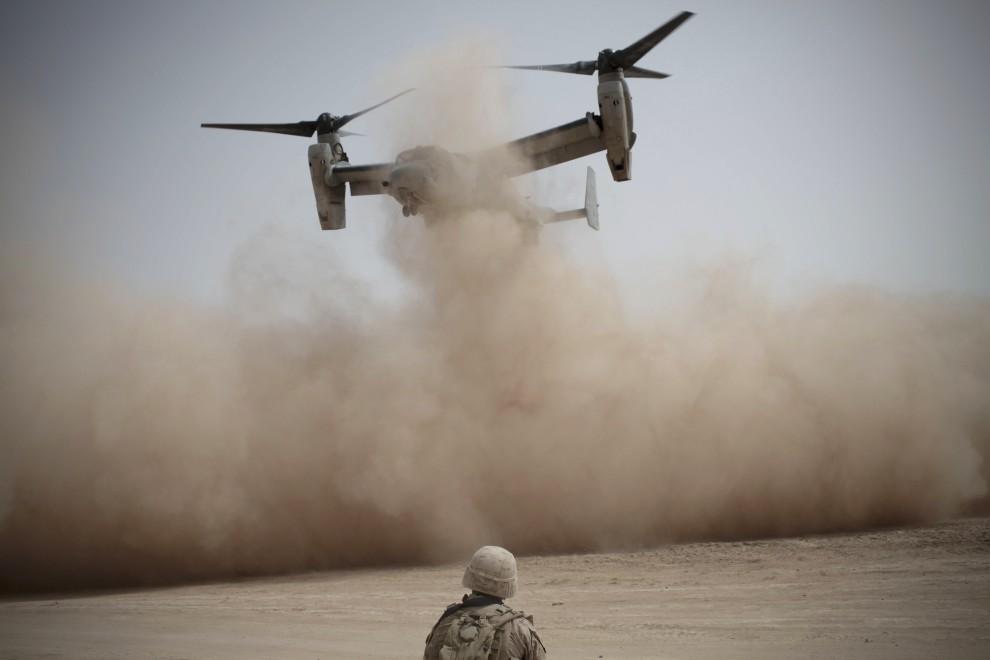 39. AFGANISTAN, Mardża, 22 marca 2010: Start wielozadaniowego samolotu pionowego startu i lądowania VTOL A. AFP PHOTO/Mauricio LIMA