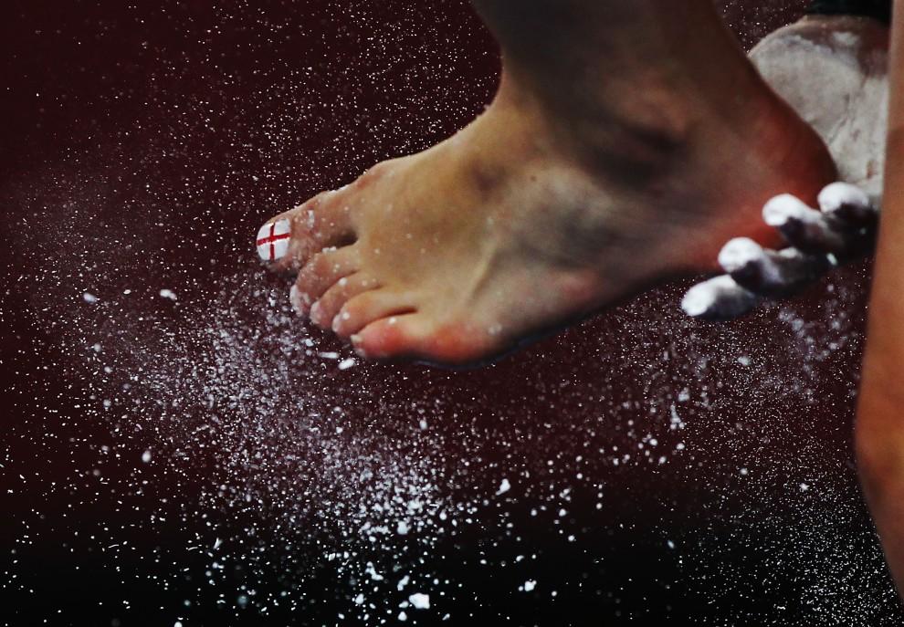 4. INDIA, Deli, 5 października 2010: Laura Edwards, reprezentantka Anglii w gimnastyce artystycznej, podczas Olimpiady Wspólnoty Brytyjskiej. (Foto: Daniel Berehulak/Getty Images)