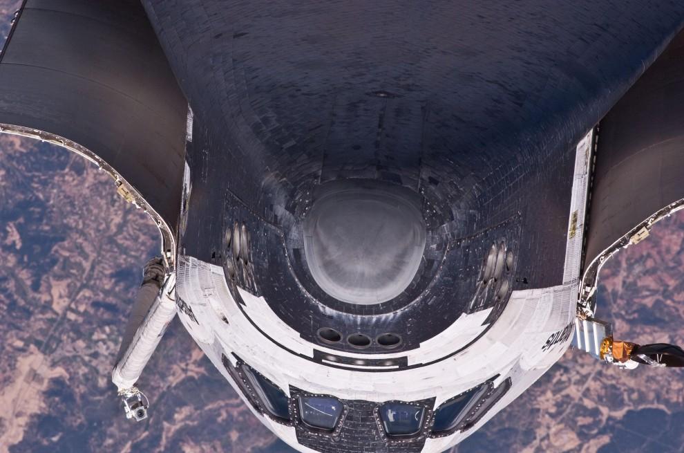 57. PRZESTRZEŃ KOSMICZNA, 17 maja 2010: Prom Atlantis przybija do Międzynarodowej Stacji Kosmicznej. AFP PHOTO/NASA/HO