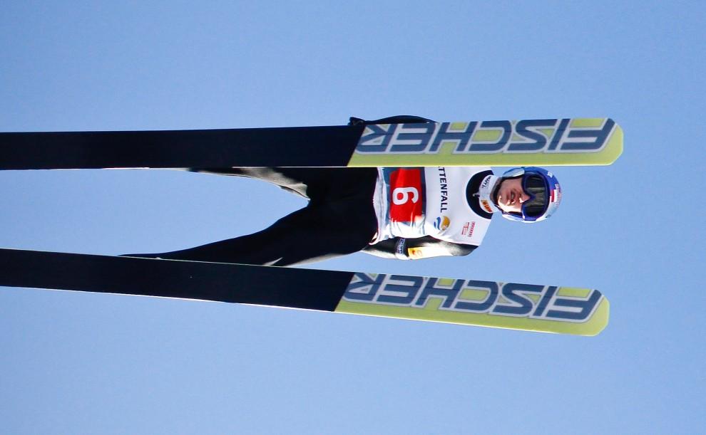 10. NIEMCY, Garmisch-Partekirchen, 1 stycznia 2011: Adam Małysz podczas skoku, który dał mu trzecie miejsce w konkursie. (Foto: Stanko Gruden/Agence Zoom/Getty Images)