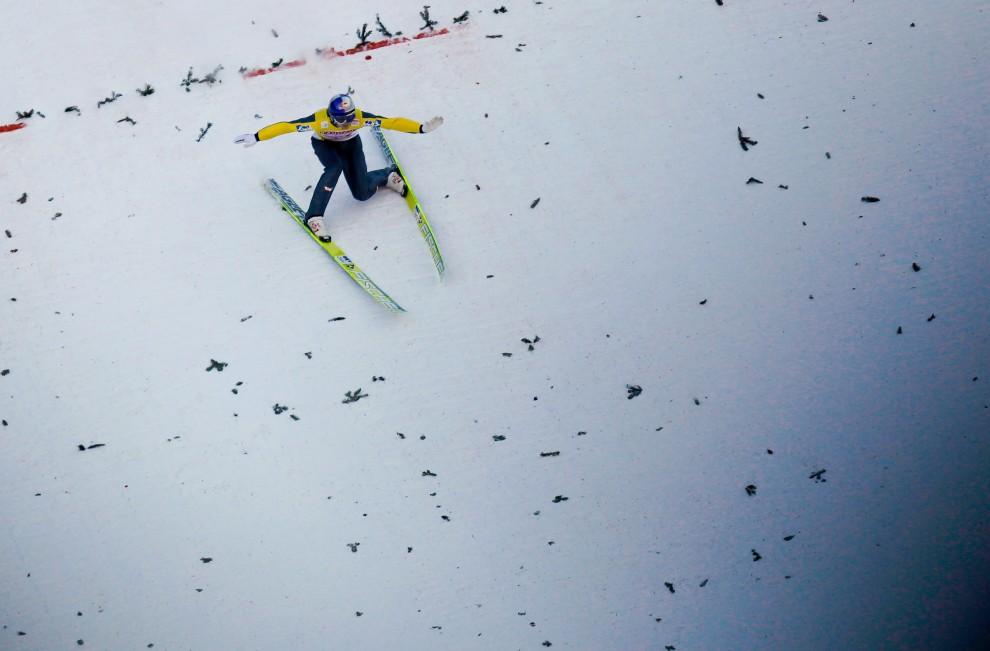 14. AUSTRIA, Innsbruck, 3 stycznia 2011: Thomas Morgenstern ląduje po zwycięskim skoku w tych zawodach. (Foto: Stanko Gruden/Agence Zoom/Getty Images)