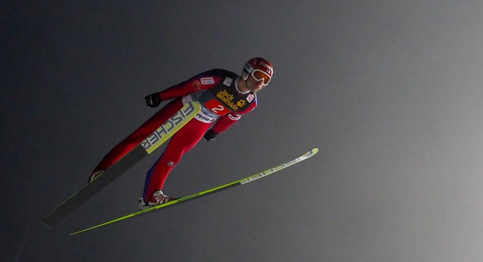 19. NIEMCY, Oberstdorf, 29 grudnia 2010: Matti Hautamaeki podczas drugiej serii zawodów w Oberstdorfie. (Foto: Stanko Gruden/Agence Zoom/Getty Images)