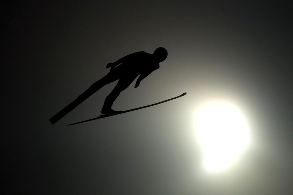 1. NIEMCY, Oberstdorf, 29 grudnia 2010: Julian Musiol oddaje skok podczas pierwszej serii zawodów w Oberstdorfie. (Foto: Alexander Hassenstein/Bongarts/Getty   Images) 1. NIEMCY, Oberstdorf, 29 grudnia 2010: Julian Musiol oddaje skok podczas pierwszej serii zawodów w Oberstdorfie. (Foto: Alexander Hassenstein/Bongarts/Getty Images)