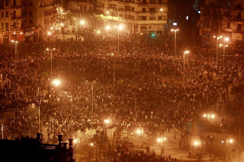 20. EGIPT, Kair, 28 stycznia 2011: Tysiące protestujących zebranych na głównym placu Kairu. (Foto: Peter Macdiarmid/Getty Images)