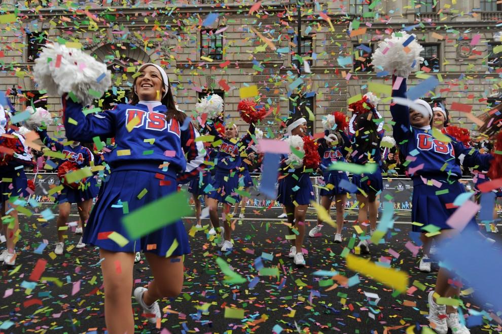 23. WIELKA BRYTANIA, Londyn, 1 stycznia 2011: Noworoczna parade na ulicach Londynu. AFP PHOTO/BEN STANSALL