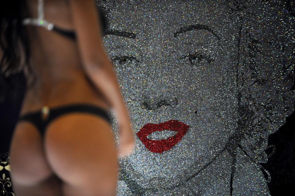25. KOLUMBIA, Medellín, 25 stycznia 2011: Modelka podczas pokazu mody Colombiatex. AFP PHOTO/ Raul ARBOLEDA