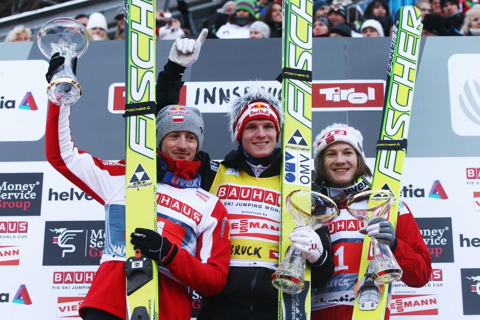 27. AUSTRIA, Innsbruck, 3 stycznia 2011: Thomas Morgenstern (w środku), Adam Malysz (po lewej) i Tom Hilde (po prawej) – zawdonicy, którzy uplasowali się na   podium zawodów w Innsbrucku. (Foto: Alex Grimm/Bongarts/Getty Images)