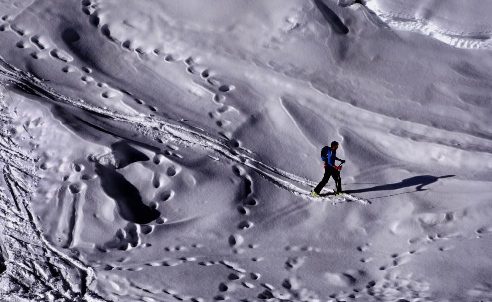 29. NIEMCY, Oberstdorf, 11 stycznia 2011: Mężczyzna  na stoku góry Nebelhorn w pobliżu Oberstdorfu. AFP PHOTO KARL-JOSEF HILDENBRAND