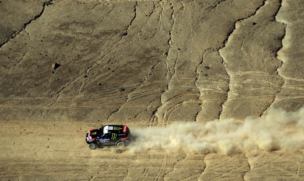 3. CHILE, Copiapo, 10 stycznia 2011: Portuglaczyk Ricardo Leal Dos Santos na trasie Atacama - Copiapo. AFP PHOTO / Daniel GARCIA
