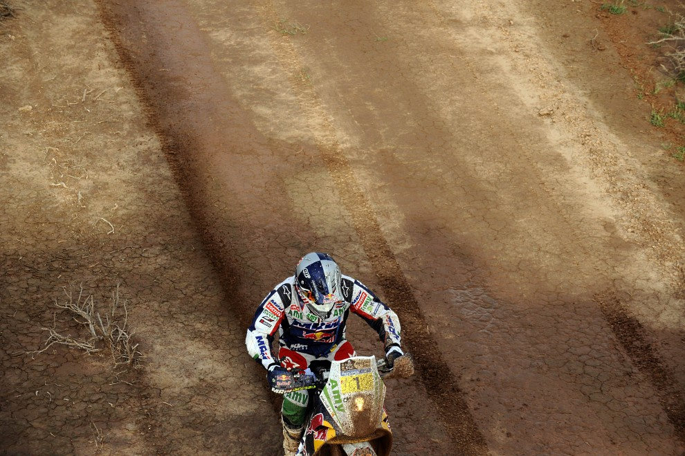 40. ARGENTYNA, Cordoba, 14 stycznia 2011: Hiszpan Marc Coma na motocyklu KTM. AFP PHOTO / Daniel GARCIA