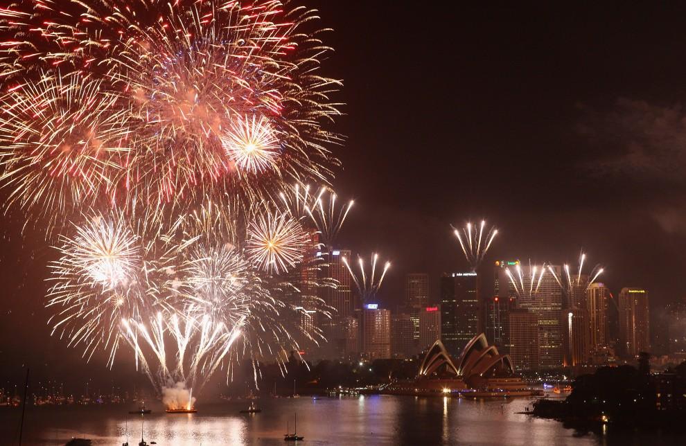 5. AUSTRALIA, Sydney, 21 grudnia 2010: Początek pokazu sztucznych ogni – jeszcze w 2010 roku. (Foto: Cameron Spencer/Getty Images)