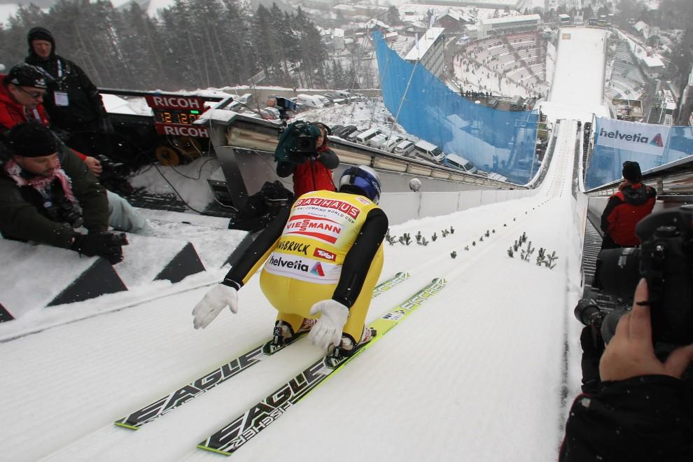 9. AUSTRIA, Innsbruck, 2 stycznia 2011: Thomas Morgenstern na rozbiegu skoczni w Innsbrucku. (Foto: Alex Grimm/Bongarts/Getty Images)