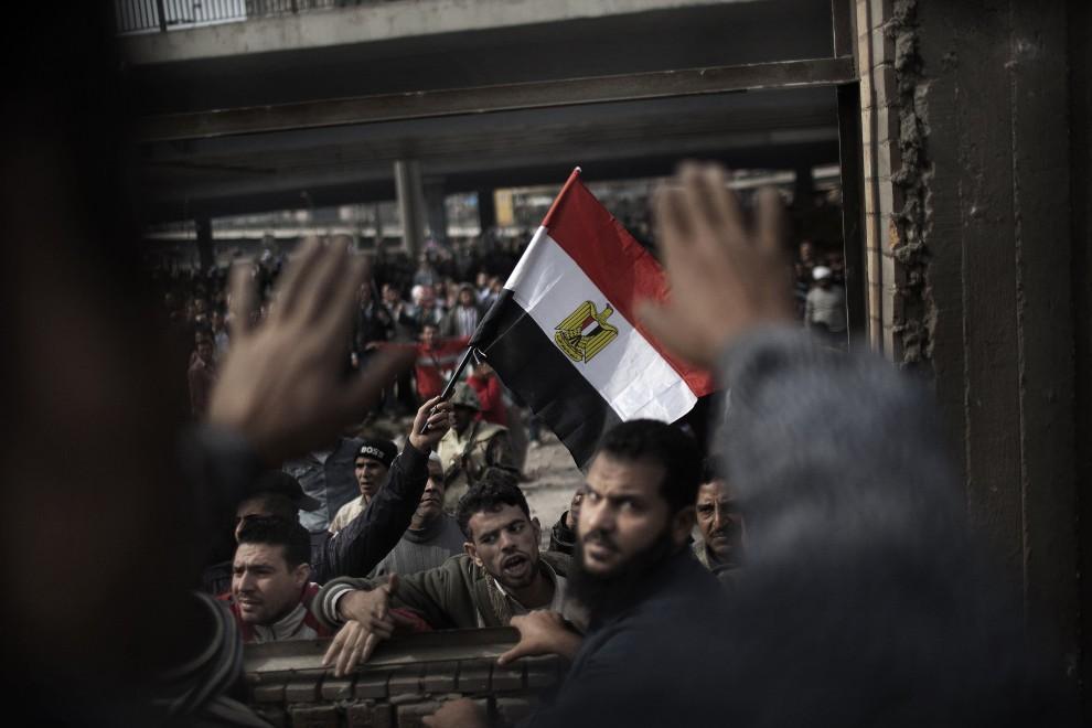 14. EGIPT, Kair, 3 lutego 2011: Opozycjoniści zebrani na centralnym placu w Kairze. AFP PHOTO/MARCO LONGARI
