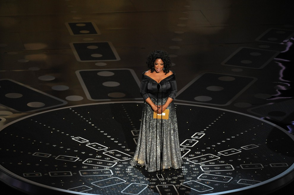17. USA, Hollywood, 27 lutego 2011: Oprah Winfrey na scenie w Kodak Theatre. AFP PHOTO / GABRIEL BOUYS