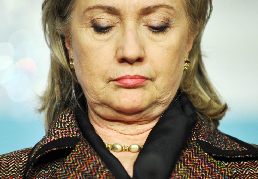 19. USA, Waszyngton, 23 lutego 2011: Hillary Clinton przed odpowiedzią na pytanie dotyczące sytuacji w Libii. AFP PHOTO/Jewel Samad