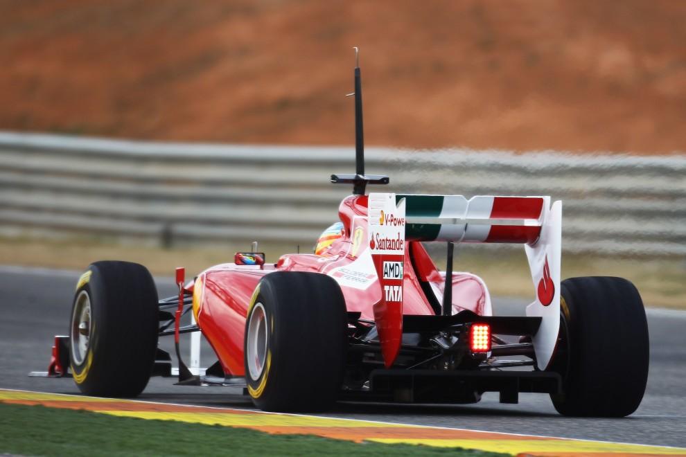 23. HISZPANIA, Walencja, 1 lutego 2011: Fernando Alonso w bolidzie zespołu Ferrari. (Foto:  Paul Gilham/Getty Images)