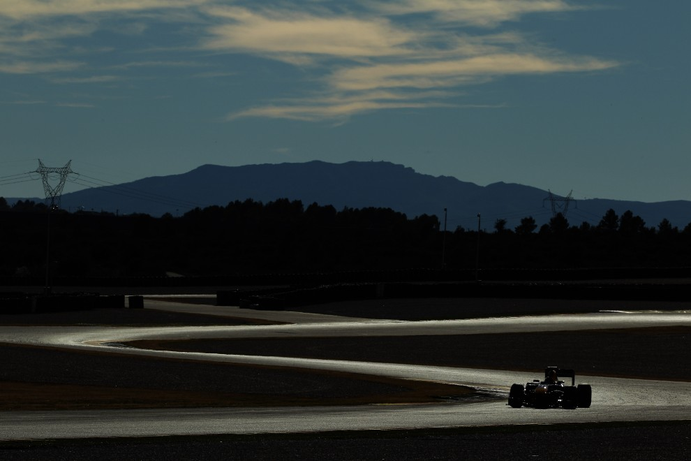 27. HISZPANIA, Walencja, 3 lutego 2011: Mark Webber z zespołu Red Bull Racing na torze Ricardo Tormo. (Foto:  Paul Gilham/Getty Images)