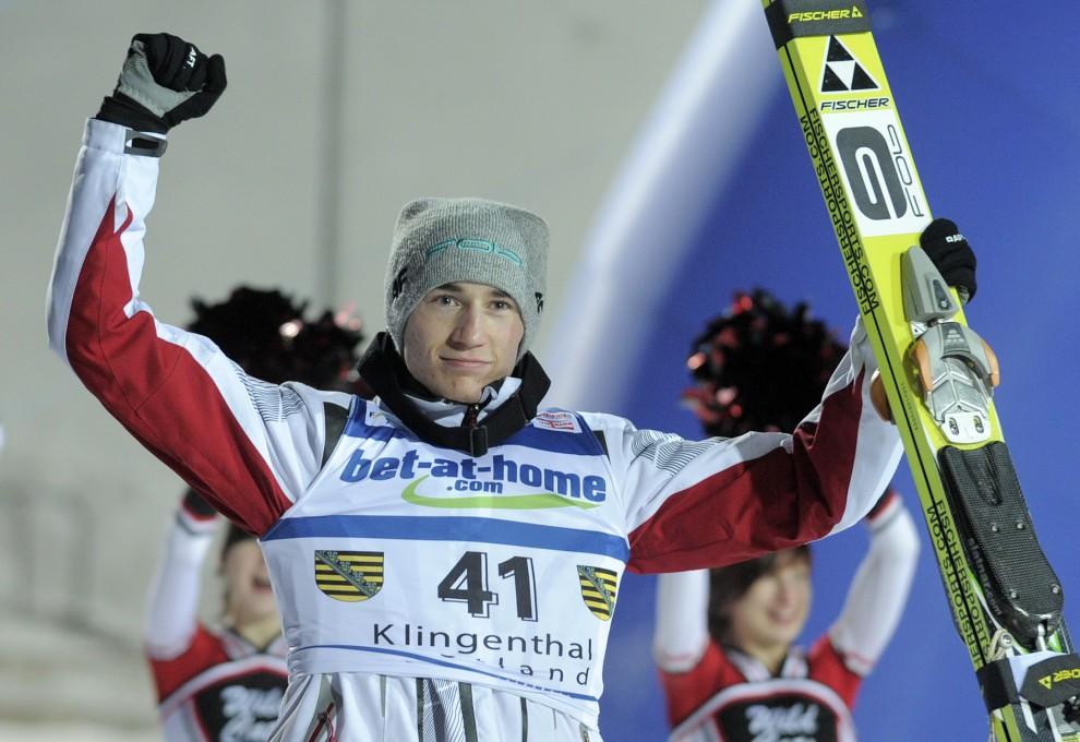28. NIEMCY, Klingenthal, 2 lutego 2011: Kamil Stoch cieszy się ze zwycięstwa w zawodach Pucharu Świata Klingenthal. AFP PHOTO / ROBERT MICHAEL