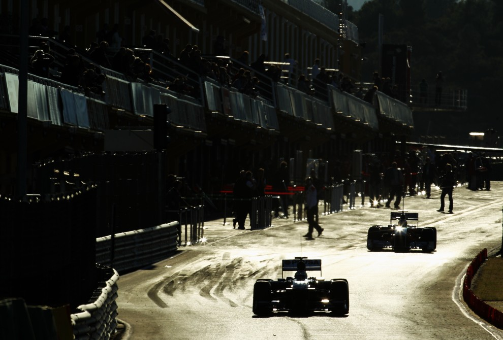 28. HISZPANIA, Walencja, 2 lutego 2011: Widok na pit lane toru Ricardo Tormo. (Foto:  Paul Gilham/Getty Images)
