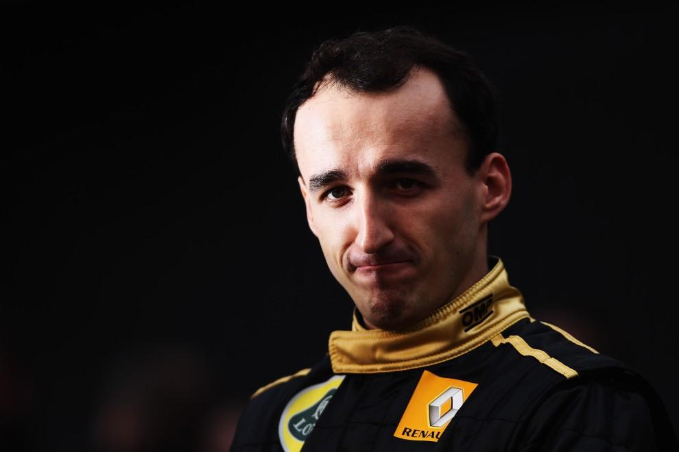 32. HISZPANIA, Walencja, 31 stycznia 2011: Robert Kubica podczas oficjalnej prezentacji zespołu w Walencji. (Foto:  Paul Gilham/Getty Images)