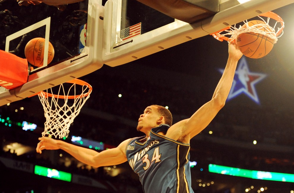 3. USA, Los Angeles, 19 lutego 2011: JaVale McGee podczas konkursu All-Stars Slam Dunk. AFP PHOTO/Mark RALSTON