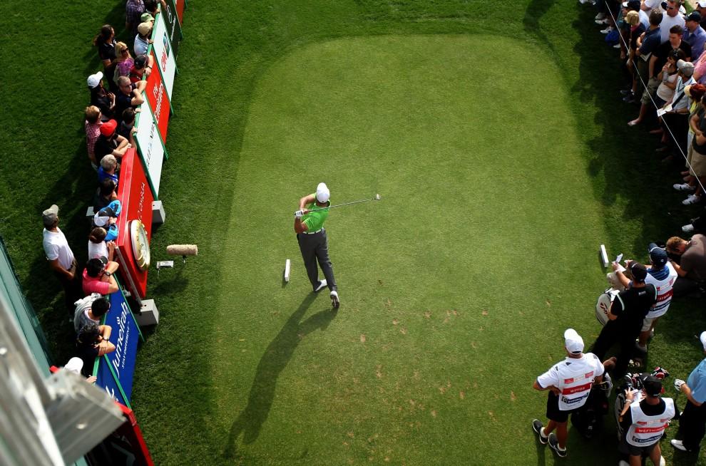 40. ZNEDNOCZONE EMIRATY ARABSKIE, Dubaj, 11 lutego 2011: Tiger Woods na turnieju Dubai Desert Classic. AFP PHOTO/MARWAN NAAMANI