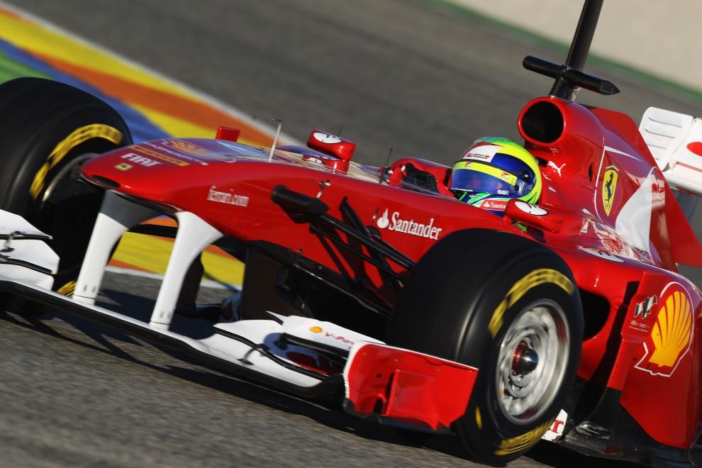 7. HISZPANIA, Walencja, 3 lutego 2011: Felipe Massa prowadzi bolid zespołu Ferrari. (Foto:  Mark Thompson/Getty Images)