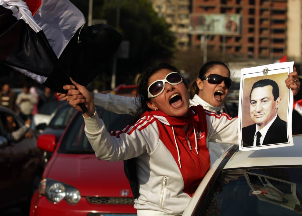 7. EGIPT, Kair, 2 lutego 2011: Demonstracja zwolenników Hosni Mubaraka. AFP PHOTO/PATRICK BAZ